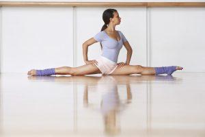 Dehnungsstreifen an den Beinen lassen sich verhindern und entfernen.